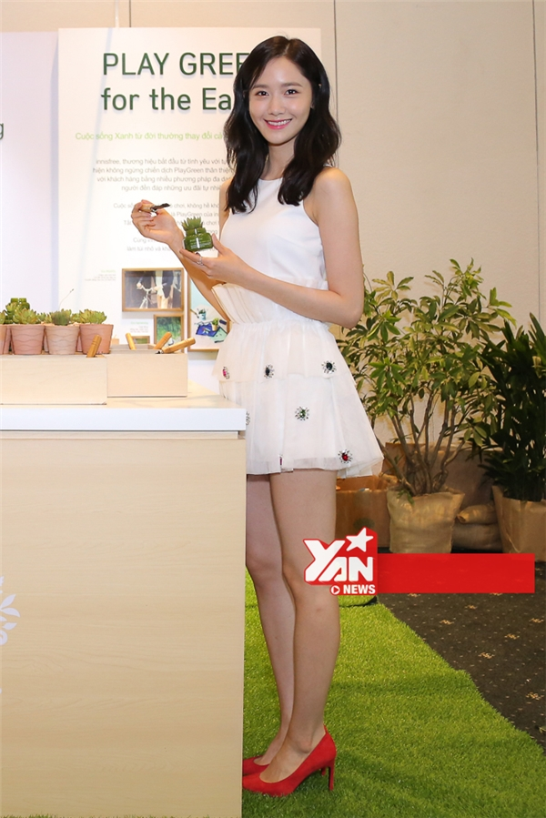 Yoona diện chiếc váy trắng tinh khôi xinh như thiên thần. - Tin sao Viet - Tin tuc sao Viet - Scandal sao Viet - Tin tuc cua Sao - Tin cua Sao