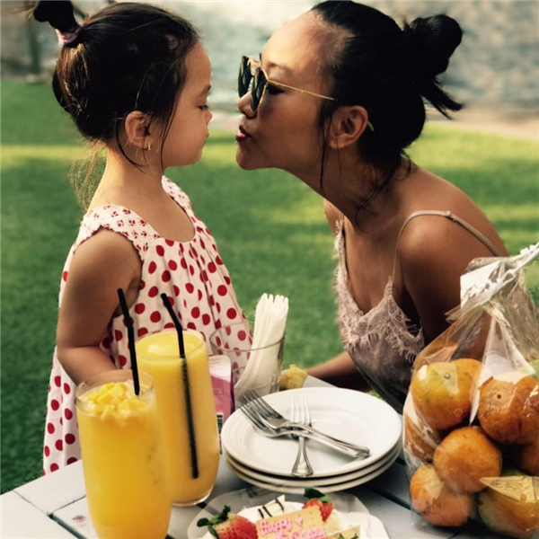 Con gái Đoan Trang đã lớn và nói tiếng Anh như gió ở tuổi lên 3 - Tin sao Viet - Tin tuc sao Viet - Scandal sao Viet - Tin tuc cua Sao - Tin cua Sao