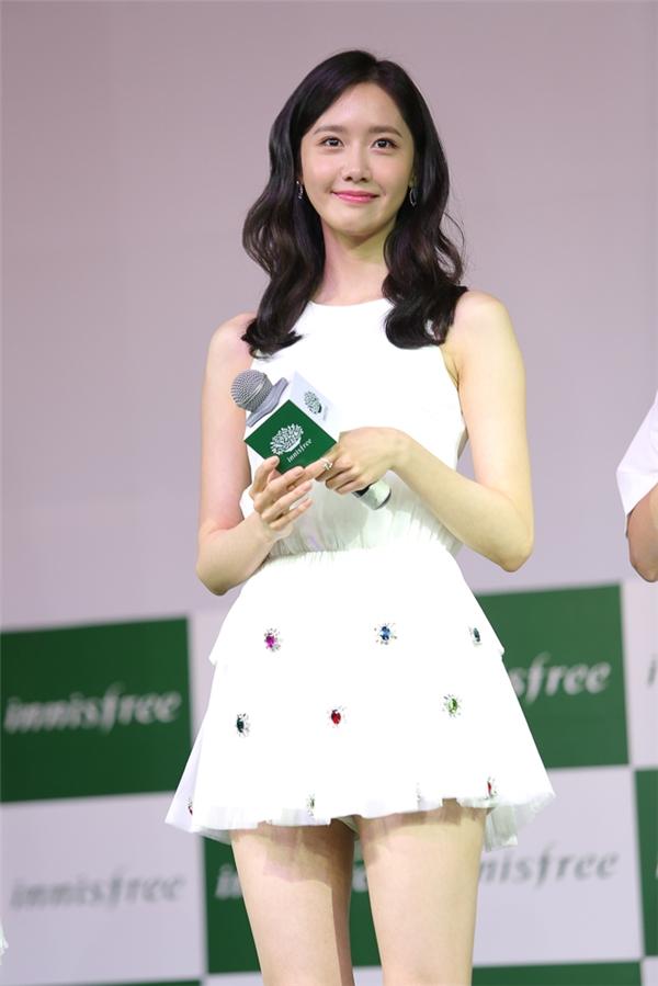 Trong buổi giao lưu, Yoona gây thiện cảm bởi sự đáng yêu và dễ thương vốn có của mình. - Tin sao Viet - Tin tuc sao Viet - Scandal sao Viet - Tin tuc cua Sao - Tin cua Sao