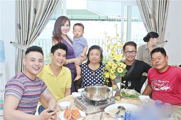 Ba nuôi của con trai Phi Thanh Vân phủ nhận là kẻ thứ ba - Tin sao Viet - Tin tuc sao Viet - Scandal sao Viet - Tin tuc cua Sao - Tin cua Sao