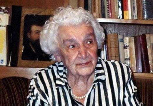 Hình ảnh của bà khi về già. Hiện bà vẫn còn sống và đã được 83 tuổi.