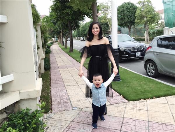 Mới 2 tuổi, con trai hot girl Tâm Tít đã ra dáng hot boy - Tin sao Viet - Tin tuc sao Viet - Scandal sao Viet - Tin tuc cua Sao - Tin cua Sao