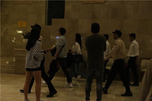 Yoona đã mặt tại khách sạn liền sau đó.