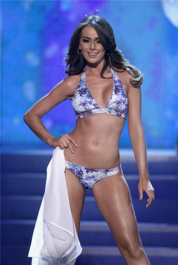 Irene Esser để lại trong lòng người hâm mộ sự tiếc nuối khi cô để vuột mất chiếc vương miện vì câu trả lời ứng xử không mấy ấn tượng. Người đẹp Venezuela dừng chân vị trí Á hậu 2 và được xem là người có màn trình diễn bikini hấp dẫn nhất.