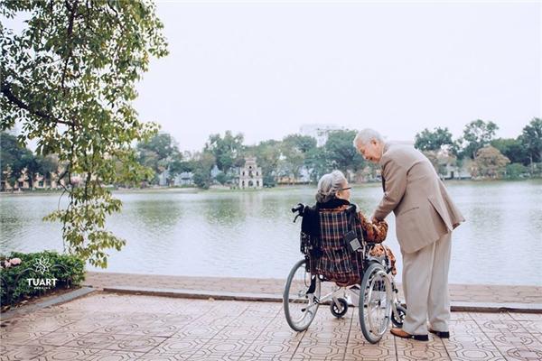 Và họ đã cùng nhau đi qua 74 năm của cuộc hôn nhân bền chặt...