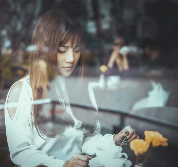 """Trót làm rơi """"lộc"""", biểu cảm của 9X khiến netizen không thể nhịn cười"""