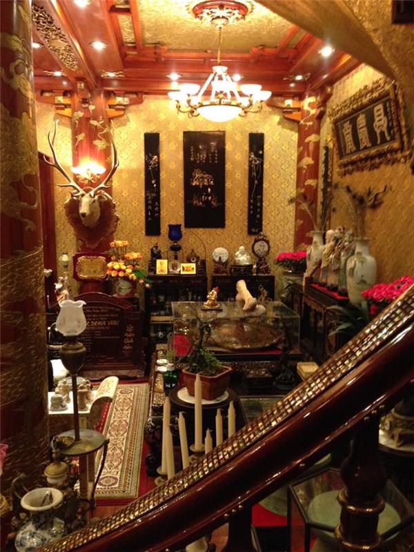 Bên trong căn nhà cũng vô cùng hoành tráng với những vật dụng được nạm vàng.(Ảnh: Internet)