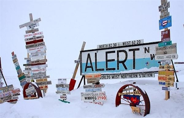 Vùng đất Alert của Canada được xem là nơi lạnh lẽo nhất thế giới với nhiệt độ trung bình là -32 độ C, kỉ lục lên đến -50 độ C.