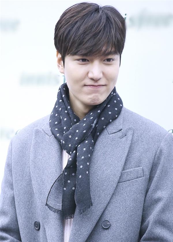 Với diện mạo không thể chê vào đâu được, Lee Min Ho đích thị là cậu bạn trai trong mộng của rất nhiều cô gái.