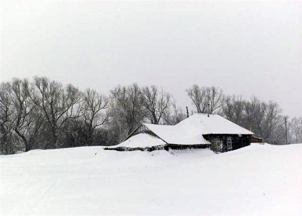 Bé trai 2 tuổi bị mẹbỏ rơi trong điều kiện nhiệt độ -12 độ C ởquận Loktevsky, Altai, miền nam Siberia.