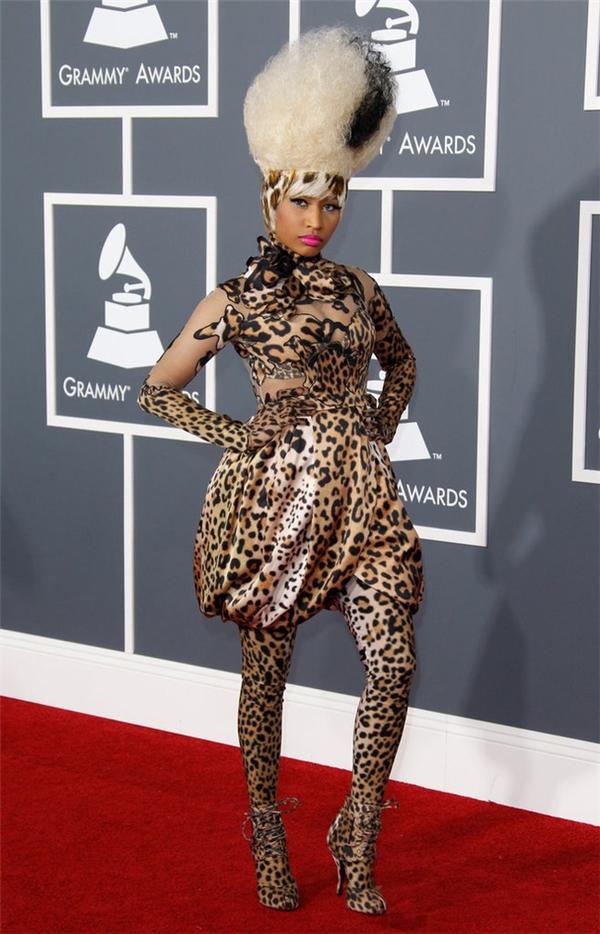 Họa tiết da báo luôn được xem là dễ gây thảm họa nhất. Nicki Minaj đã cho thấy điều đó.