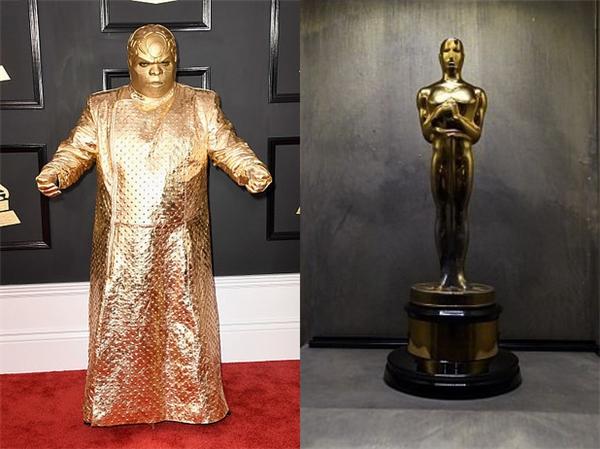 CeeLo Green là nhân vật sáng nhất đêm Grammy 2017 rồi, vì trang phục của anh không chỉ giống tượng vàng Oscar danh giá mà còn được đem ra... chế ảnh với một số thứ khác nữa.