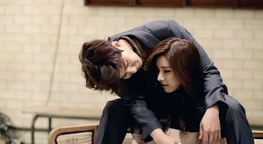 """Kim So Eun và Song Jae Rim trông thật sự hạnh phúc khi làm """"vợ chồng"""" khiến nhiều người mong họ thành đôi."""