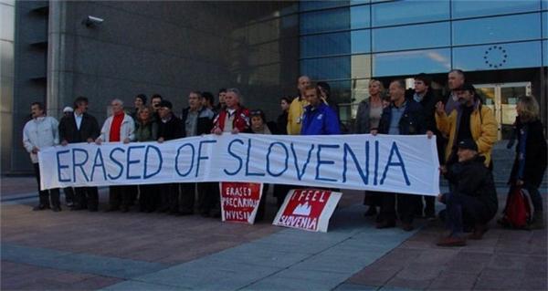 """Biểu tình đòi lại công lý cho những dân cư bị """"đuổi"""" khỏi Slovenia"""