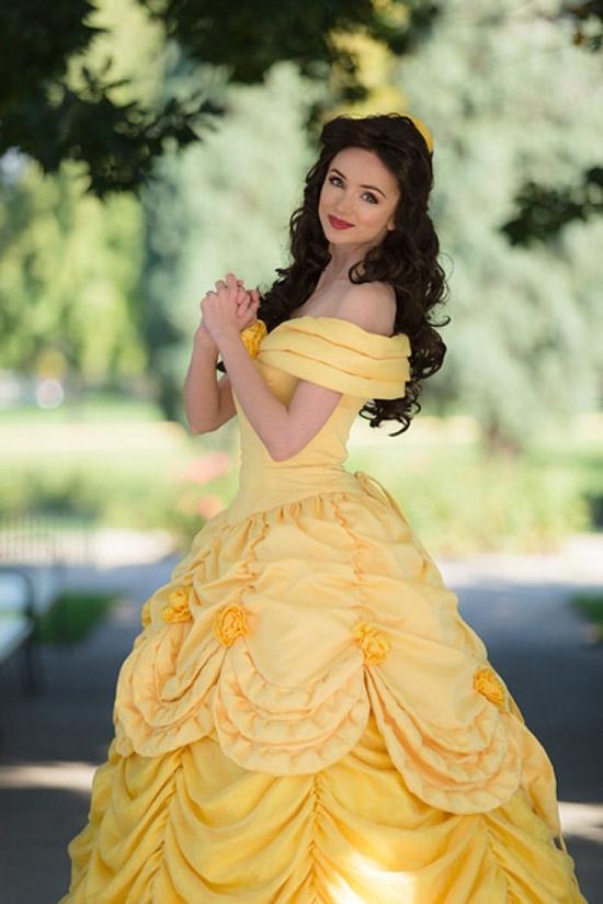 Còn đây là nàng Belle trong Người đẹp và quái vật