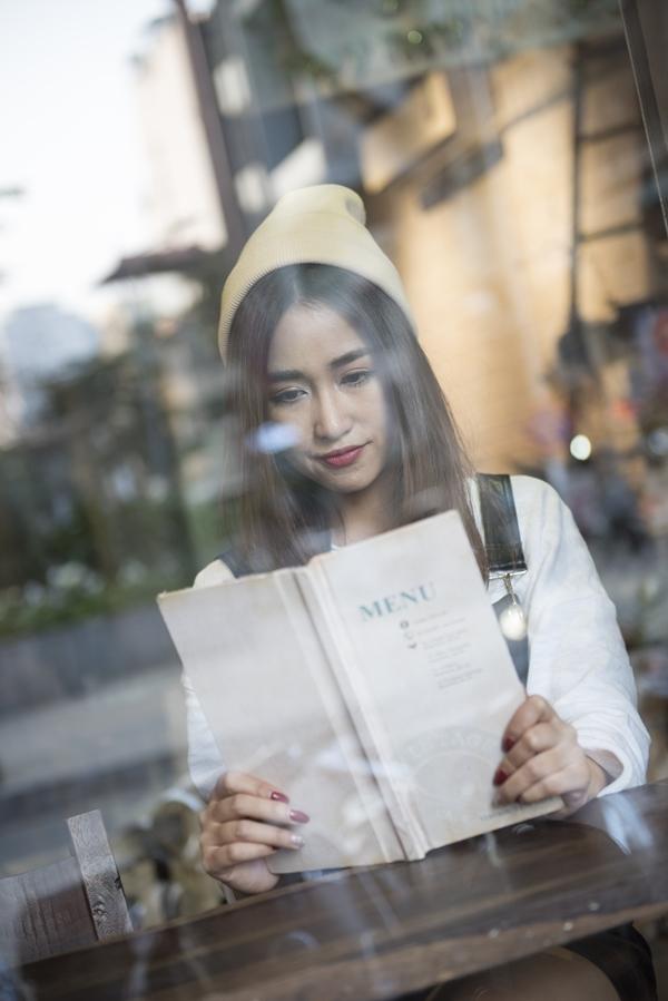 """Chưa có """"gấu"""", DJ Trang Moon vẫn đón Valentine hạnh phúc như thường"""