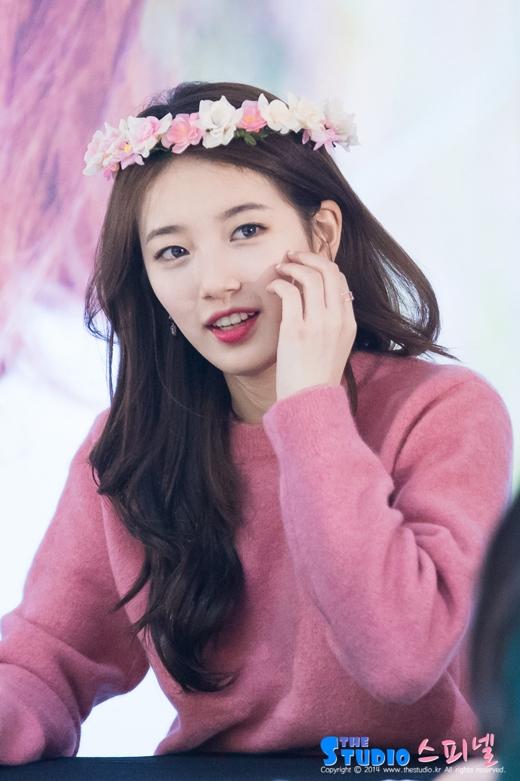 Không phải lúc nào Suzy cũng có thể nở được nụ cười tươi tắn như thế này.