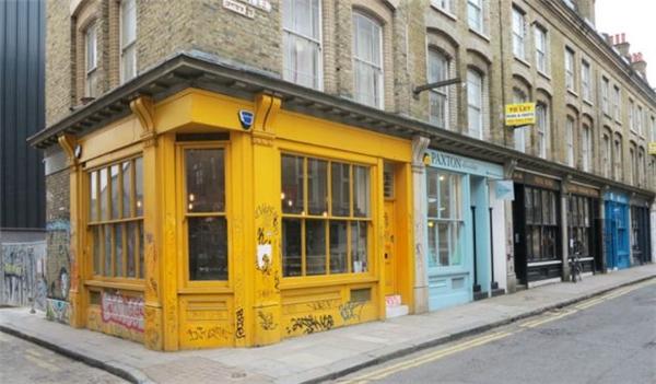 """Hai khu dịch vụ đồ uống nổi tiếng Shoreditch vàDalston tại London thường diễn ra nạn """"tè bậy"""" nơi công cộng."""