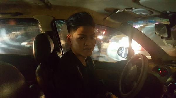 Tài xế taxi trẻ tốt bụng. (Ảnh: FBNV)
