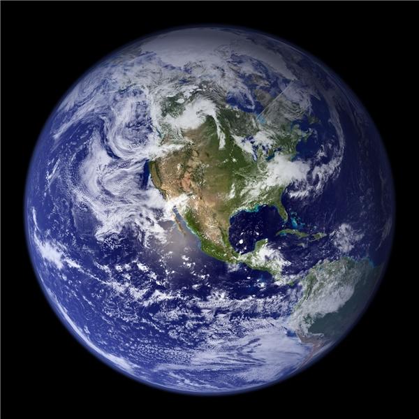 Bức ảnh về Trái Đất nổi tiếng Blue Marble.