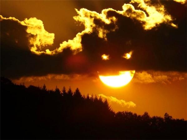 Tấm ảnh dễ sợ nhất về mặt trời lặn.