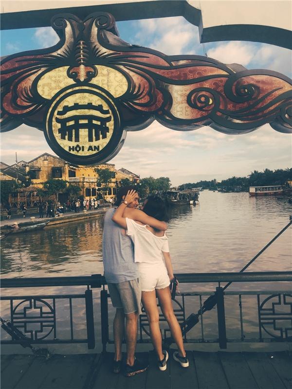 Trở thành cặp đôi ngọt ngào của showbiz Việt, dù quen nhau đã khá lâu nhưng Quang Đăng - Thái Trinh mới chỉ công khaitình yêuthời gian gần đây. - Tin sao Viet - Tin tuc sao Viet - Scandal sao Viet - Tin tuc cua Sao - Tin cua Sao