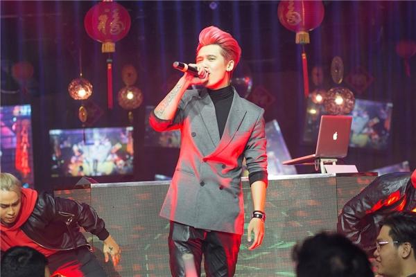 Tronie – MiA chạy show xuyên Tết kiếm tiền đầu tư liveshow - Tin sao Viet - Tin tuc sao Viet - Scandal sao Viet - Tin tuc cua Sao - Tin cua Sao