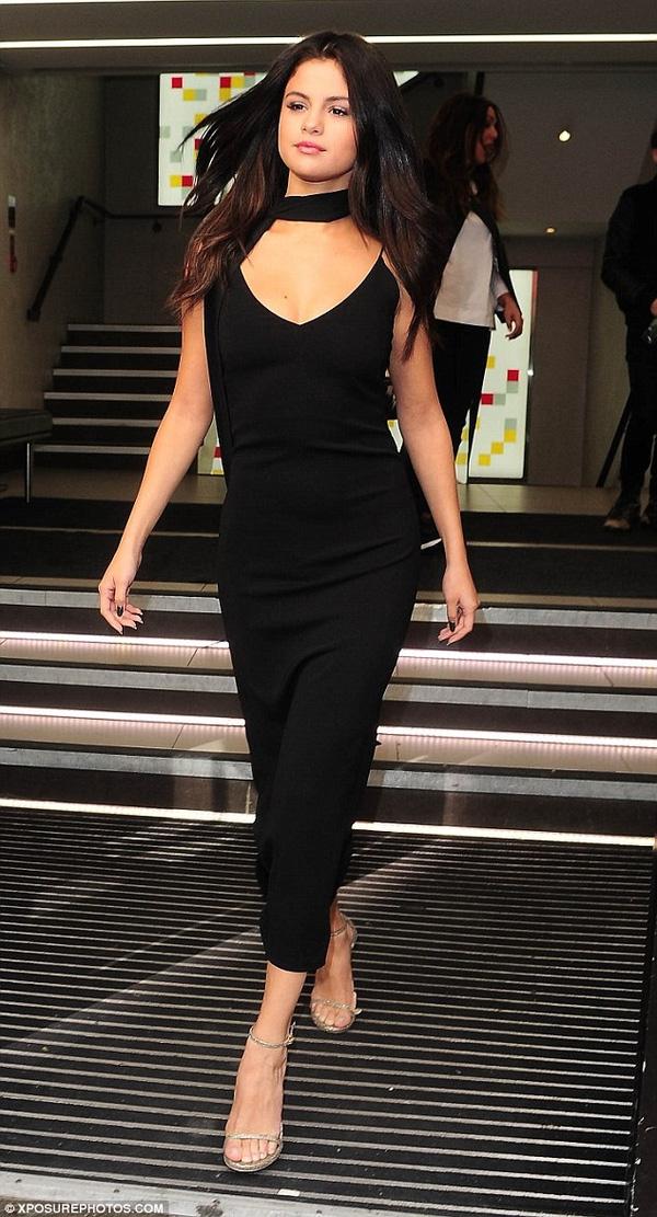 Phong cách thời trang đẳng cấp củaSelena Gomez.