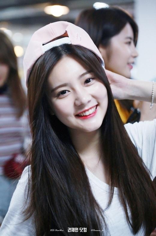 Eunchae là tuýp người đẹp dịu dàng nhưng không ủy mị, ở cô vẫn ánh lên sức sống của một cô gái 17 tuổi tràn đầy sức sống.