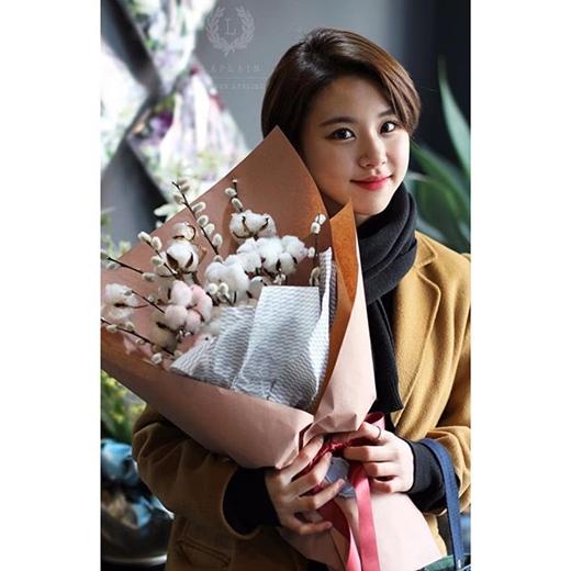 """Không hề kém cạnh người bạn cùng nhóm, Chaeyoung cũng là một trong những ứng cử viên sáng giá cho ngôi vị """"nữ thần""""."""