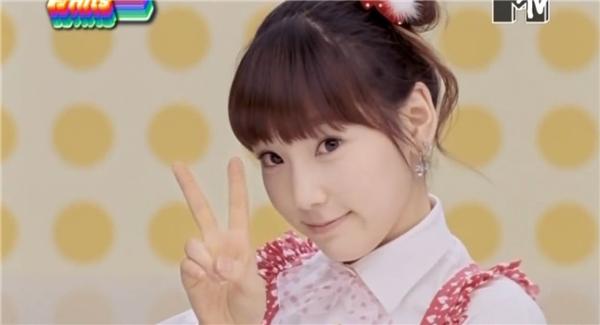 Taeyeon được mệnh danh là Kid Leader của SNSD bởi vì gương mặt quá baby.