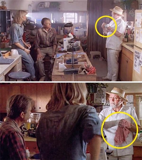 Jurassic Park (1993): Hammond dùng một chiếc khăn màu trắng nhỏ xíu để lau một chiếc ly. Nhưng sau đó, chiếc khăn bỗng đổi màu và tăng kích cỡ.