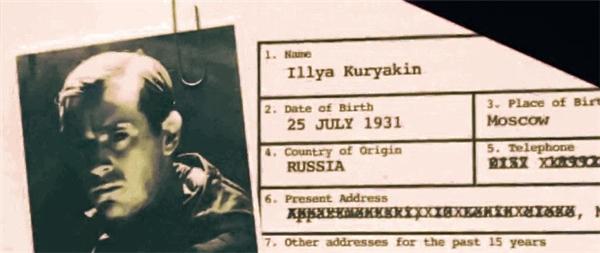 The Man from U.N.C.L.E. (2015): Hồ sơ ghi rằng Illya Kuryakin sinh vào ngày 25/07/1931 tại Nga. Thế nhưng mãi đến năm 1991 thì nước Nga (hay Liên bang Nga) mới thành lập, còn giai đoạn từ 1922 đến 1991 thì đó là Liên Xô (hay Liên bang Xô Viết).