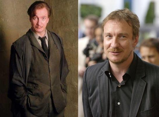 Trong phim, nam diễn viên David Thewlis (thủ vai giáo sư Lupin) xuề xòa bao nhiêu thì ngoài đời lại chỉn chu, lịch thiệp bấy nhiêu.
