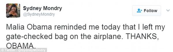 """""""Malia Obama hôm nay đã nhắc tôi việc để quên hành lý xách tay trên máy bay. Cảm ơn, Obama."""""""