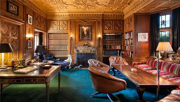 Người mua là Daren Metropoulous, 33 tuổi, có ý định kết hợp dinh thự rộng 20.200m2 này với nhà riêng của anh để tạo nên một bất động sản rộng 29.500m2, đúng với ý tưởng của nhà thiết kế dinh thự vào những năm 1920.