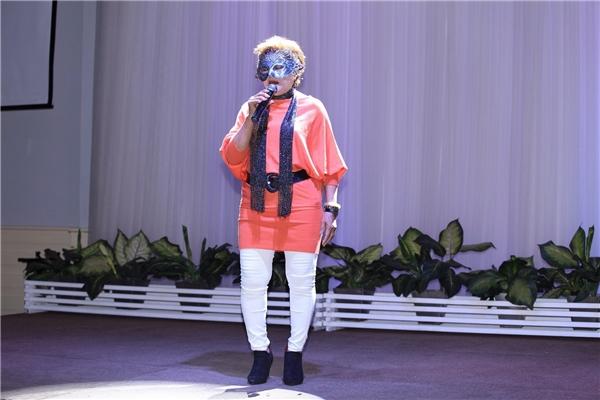 Nữ thí sinh này đã gửi tới chương trình ca khúcRight here waiting. - Tin sao Viet - Tin tuc sao Viet - Scandal sao Viet - Tin tuc cua Sao - Tin cua Sao