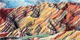 Ngỡ ngàng trước sự rực rỡ của núi bảy sắc