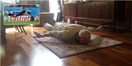 [Bóng Đá] Ông nội 93 tuổi bay người giống Van Persie