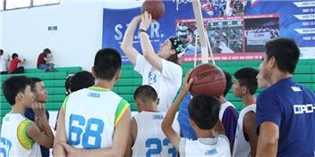 Kelly Olynyk: Việt Nam không thiếu tài năng bóng rổ trẻ