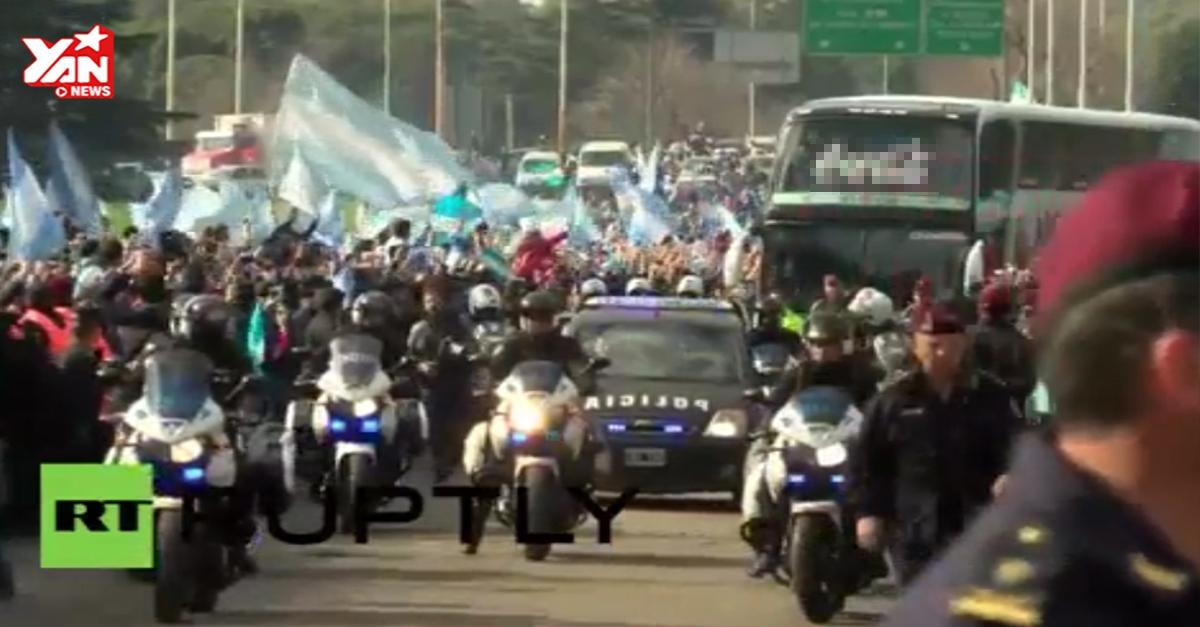 Dù thua trận, đội tuyển Argentina vẫn được chào đón như anh hùng