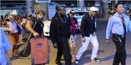 Sean Kingston vội vàng rời sân bay sau chuyến bay dài đến Việt Nam