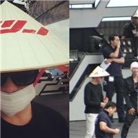 Jaejoong cực đáng yêu khi đội nón lá tổng duyệt chương trình