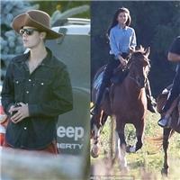 """Selena Gomez """"ngất ngây"""" sau chuyến đi Canada cùng Justin Bieber"""