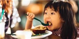 [Sống khỏe] Sai lầm phổ biến trong bữa tối gây nguy hại cho sức khỏe nghiêm trọng