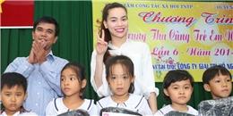Hồ Ngọc Hà cùng học trò tặng quà trung thu sớm cho trẻ em ngoại thành