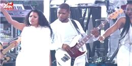 [VMAs 2014] Usher vỗ mông Nicki Minaj trên sân khấu VMAs