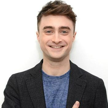 Daniel Radcliffe mong fan hãy quên đi Harry Potter