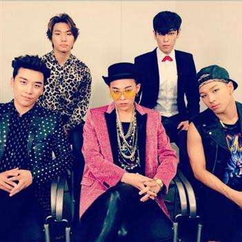 Seungri khoe hình Big Bang cực phong cách, Eunhyuk hào hứng chuẩn bị diễn Music Bank