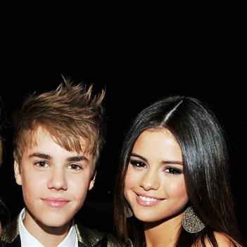 Ghét Justin Bieber, Taylor Swift vẫn chúc phúc cho Selena Gomez